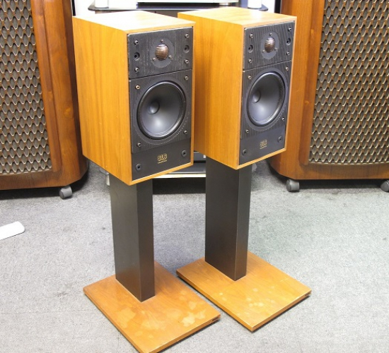 Celestion SL6 Bookshelf Speakers Photo